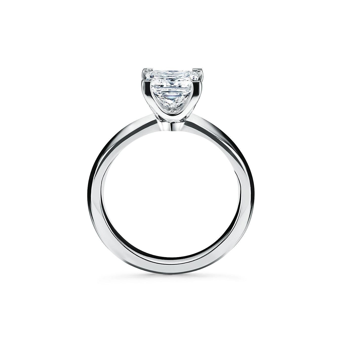 プリンセス カット ダイヤモンド エンゲージメント リング(2)―Tiffany & Co.(ティファニー)