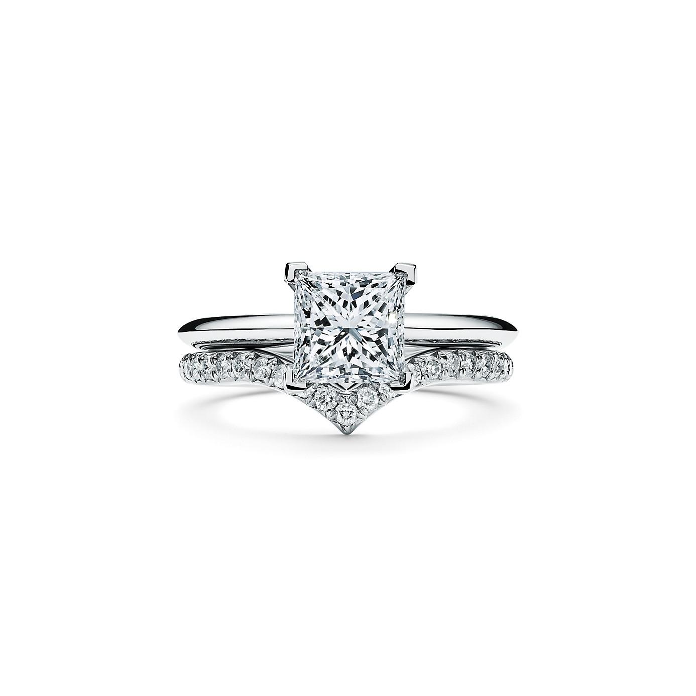 プリンセス カット ダイヤモンド エンゲージメント リング(4)―Tiffany & Co.(ティファニー)