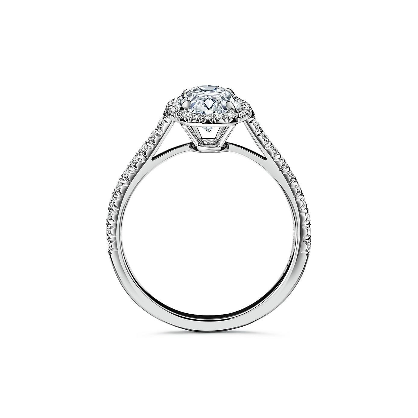 ティファニー ソレスト オーバル カット ダイヤモンド エンゲージメント リング(2)―Tiffany & Co.(ティファニー)
