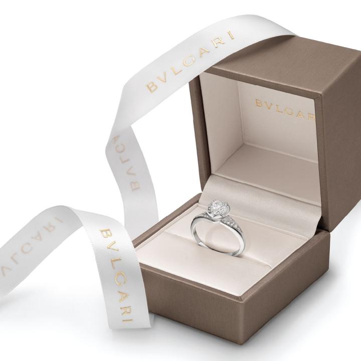 best sneakers 77329 8325f ブルガリ/BVLGARIの結婚指輪・婚約指輪│マイナビウエディング ...
