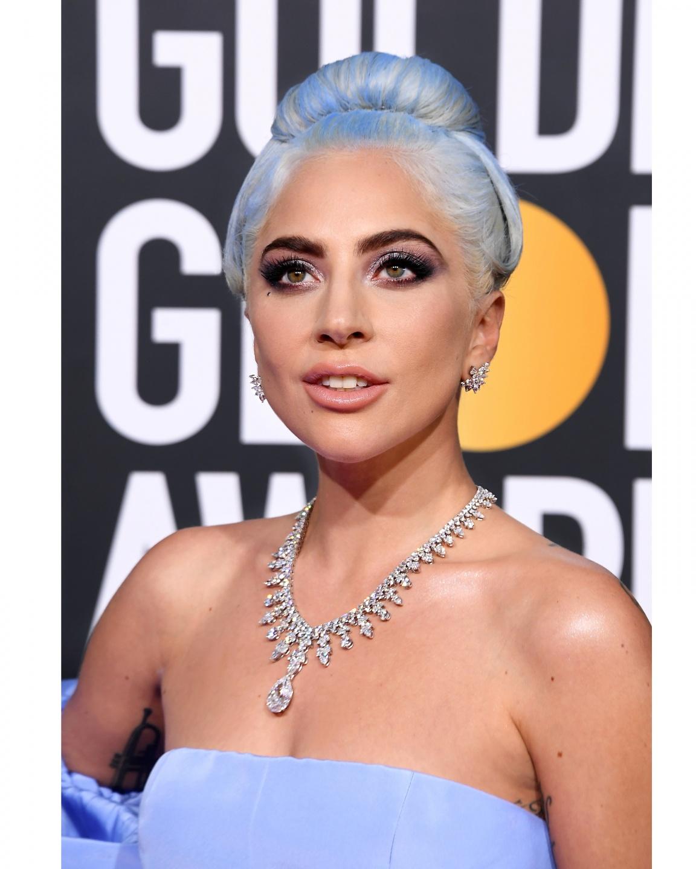 【第76回ゴールデングローブ賞授賞式】レディー・ガガ、100カラットを超えるダイヤモンドが輝くティファニーのネックレスを纏って登場(1)―Tiffany & Co.(ティファニー)
