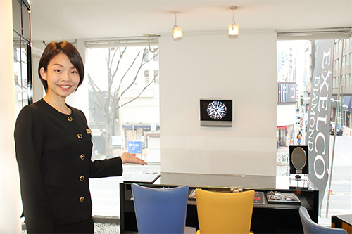 エクセルコダイヤモンドの店員の写真