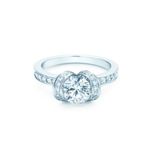 ダイヤモンド リボン エンゲージメント リング(1)―Tiffany & Co.(ティファニー)